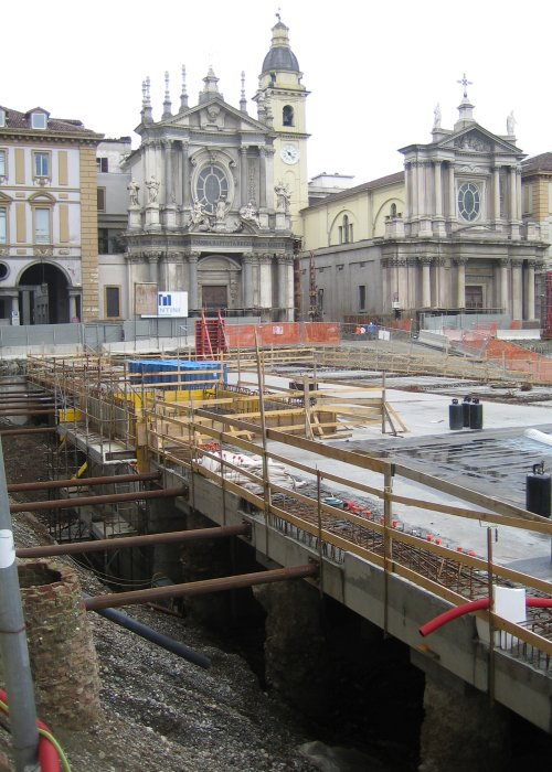 http://thbz.org/images/europe/alpes2005/81-turin-piazza-san-carlo.jpg