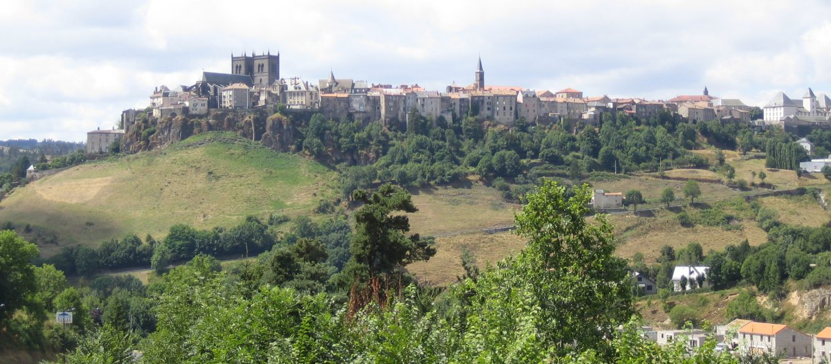 a visit to st flour and the garabit viaduct 750 metres. Black Bedroom Furniture Sets. Home Design Ideas