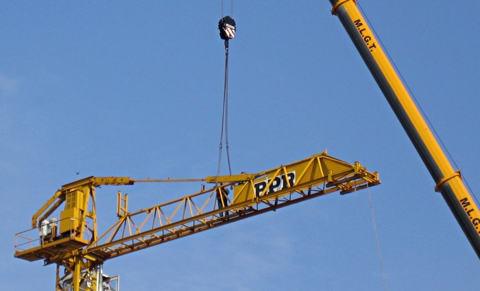 http://thbz.org/images/paris/divers/demontage-grue/grue5.jpg